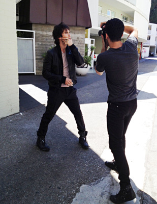 Йен на съемках фотосессии для Defy Magazine