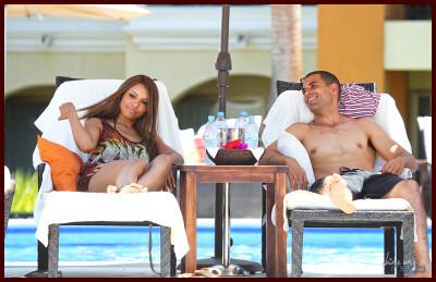 Катерина с парнем на отдыхе