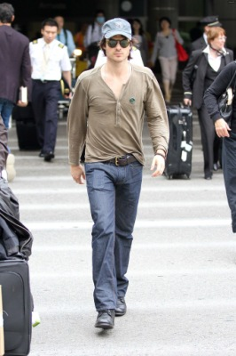 Йен в аэропорту LAX [18 июня]