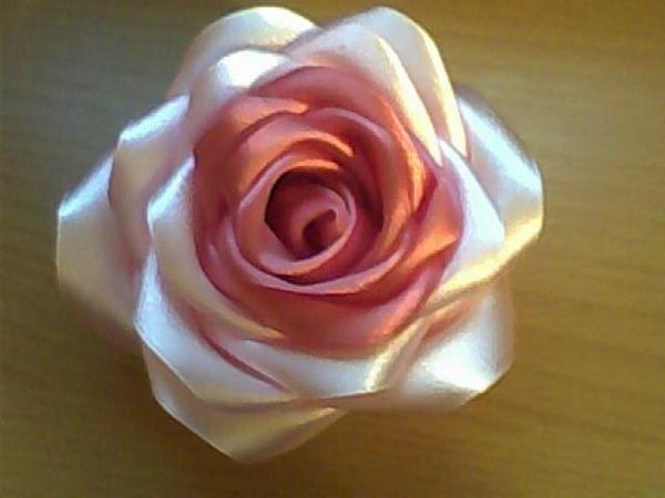 роза из атласной ленты своими руками. роза из атласной ленты своими руками 10.